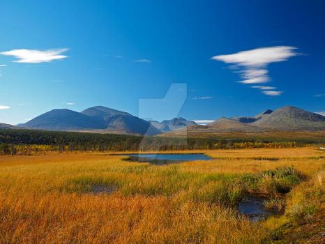 Autumn colors in the Rondane mountain range by Morgan-Lou