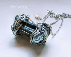 Elven barrel by Tuile-jewellery
