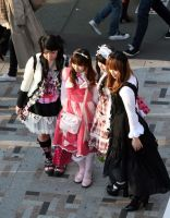4 Gothic Lolitas by harajuku-observer