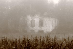 Old haunted house by RomGams