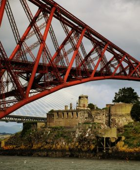 Inchgarvie Prison with Forth Bridge by JanKacar