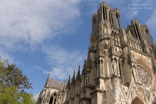 Cathedrale Notre-Dame de Reims III by blizzard2006