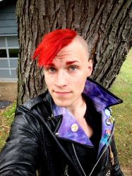 me and my new hair. :) by GorillaEye
