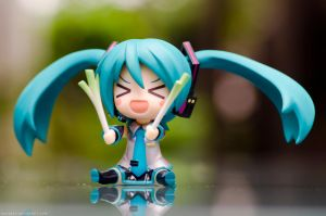 nendoroid miku 2.0  3 by danzE26