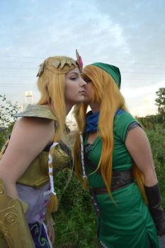 The one where Link finally gets the girl - Five by LinneaCosplay