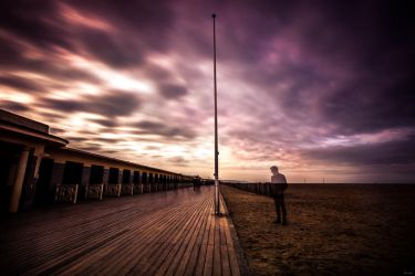 Walk the line ? by zardo