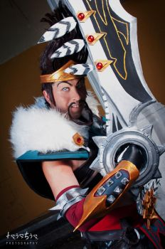 Draven does it all... with style! by TornadoSugus