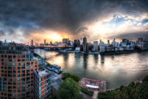New York, Roosevelt Island by alierturk