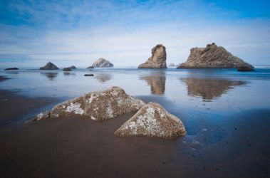Cannon Beach Seastack Stock by little-spacey