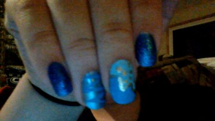 i did ma nails :3 by kermmit-loves-pie