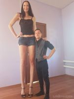 Tall woman compare by lowerrider