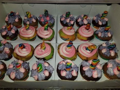 Unicorn cupcakes by MurcMarischal