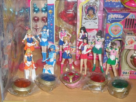 PGSM REAL FIGURES AND GASHAPON by prinsesaian