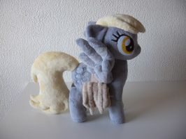 Derpy Hooves with Saddlebags by RazielleDbx