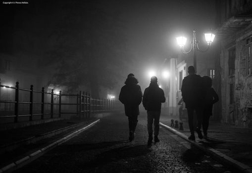 Foggy night Florina. by panosozi