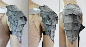 Scolopendra  Shoulder Armor minimal version by Pinkabsinthe