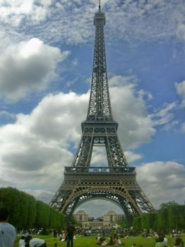 Eiffel tower edit 2 by CtechWeb