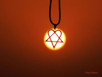 Heartagram sunset by LaTinaja