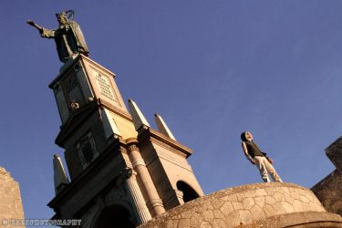 Modern Assassin's Creed: leap of faith by VictorSauron