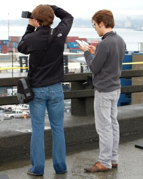 Photographers at work . . . by Momofbjl