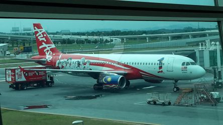 AirAsia Aircraft with 1Malaysia Livery by IngeniusBrilliance