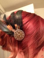 Clockwork and feathers hair clip by Kthulha