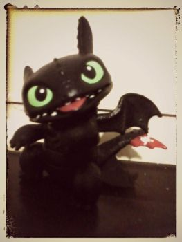 Toothlessss figure by LAUBoZ