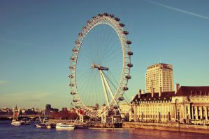 Londons big wheel by black-ladybird
