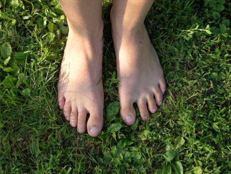 Pieds dans l herbe by Tracedevie