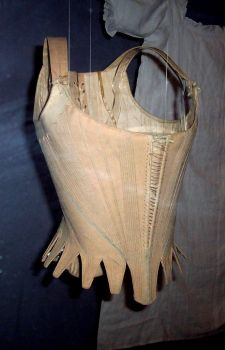 17th century corset by SynysterPuce