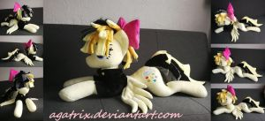 Standard size(laying down Songbird Serenade plush by agatrix