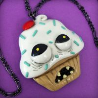 Ugly Cupcake Necklace by beatblack