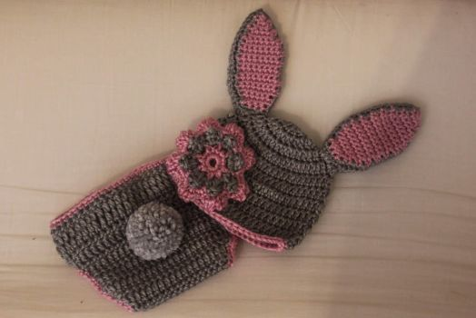 Crochet Newborn Bunny Set by designsbymishi