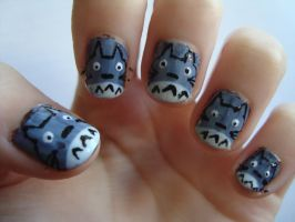Totoro nails by luminousleopard