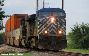 CEFX 1036 and CSXT 896 lead Schneider Train Q106 by EternalFlame1891