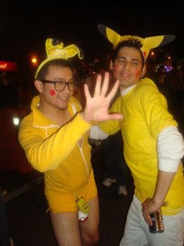 Halloween'09 Costume: Pikachu by pandashekki