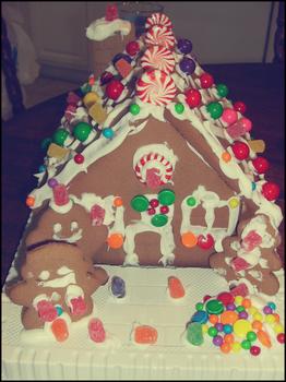 Gingerbread House 2008 by Kumidaiko