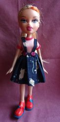 Pleated skirt for doll 2 by Nekomi--chan