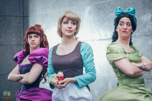 Cinderella and her sisters by Lye1