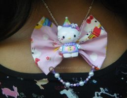 Hello Kitty bow necklace by messypink