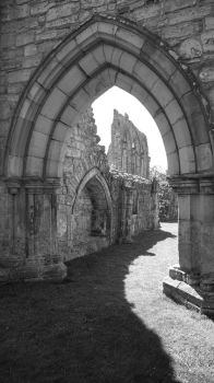 Bayham Abbey by aberlioness