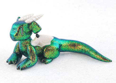 Iridescent Glitter Dragon by HowManyDragons