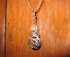 celtic pendant by Aranglinn