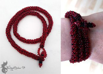 Tubular Netting: Black and Red by TheWingedShadow