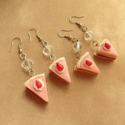 Strawberry Cake Earrings by bellakenobi