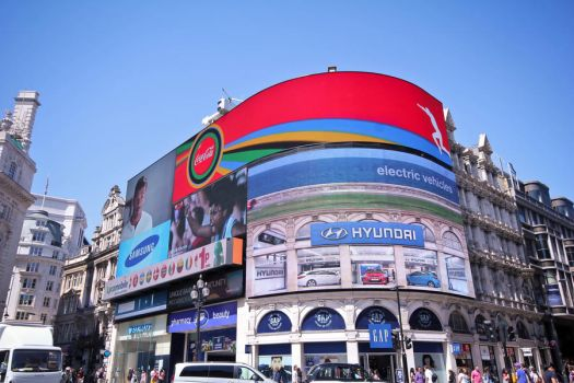 Piccadilly Circus by xGuppy