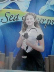ME and Willy Orcinus shamu at seaworld San Diego! by Dolphingurl21stuff