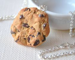 Chocolate Chip Cookie Necklace by Madizzo