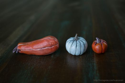 Set 3 of realistic pumpkin figurines, polymer clay by NoirArt