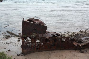 Ship wreck 3677 by fa-stock